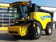New Holland CX 6.80 T4B Mähdrescher