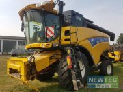 New Holland CX 8040 SCR Mähdrescher