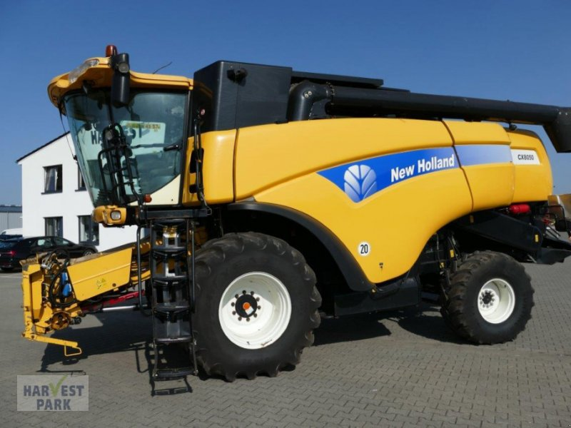 Mähdrescher des Typs New Holland CX 8050, Gebrauchtmaschine in Emsbüren (Bild 1)