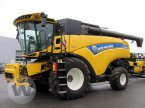 Mähdrescher des Typs New Holland CX 8.85 in Bützow