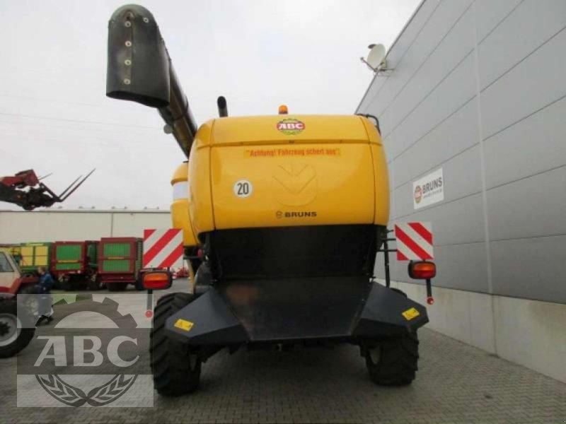 Mähdrescher des Typs New Holland CX880W, Gebrauchtmaschine in Cloppenburg (Bild 5)