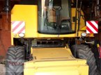 Mähdrescher des Typs New Holland TC 5070 in Niederviehbach