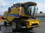 Mähdrescher des Typs New Holland TC 5080 in Neuhof - Dorfborn