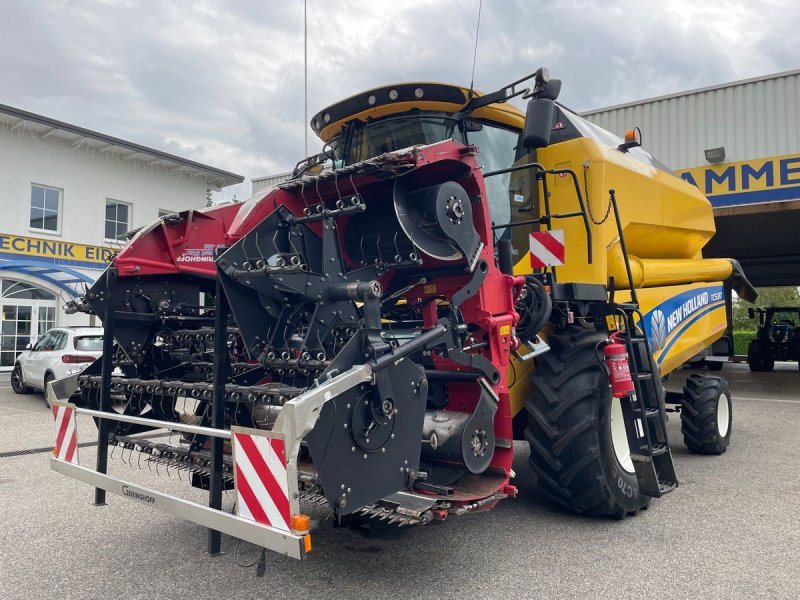 Mähdrescher des Typs New Holland TC 5.80, Gebrauchtmaschine in Burgkirchen (Bild 1)