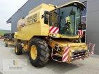 Mähdrescher des Typs New Holland TF 76 in Neuhof - Dorfborn