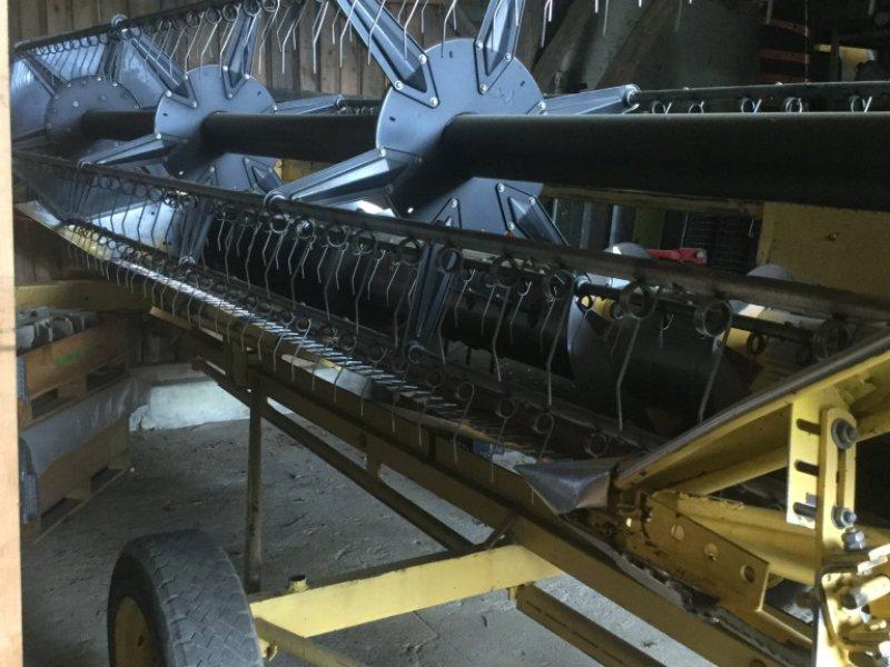 Mähdrescher des Typs New Holland TX 36, Gebrauchtmaschine in Cham (Bild 15)
