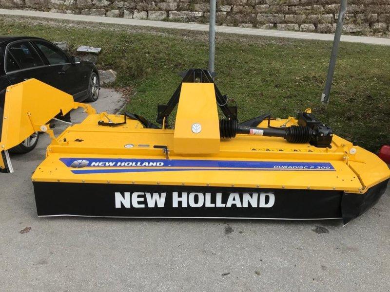 Mähwerk des Typs New Holland Frontscheibenmähwerk DuraDisc F300, Neumaschine in Burgkirchen (Bild 1)