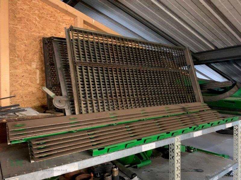 Maisausrüstung des Typs John Deere Verschiedene Maissiebe, Gebrauchtmaschine in Eggenfelden (Bild 12)
