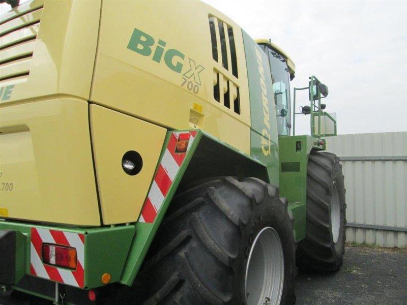 Фотография Krone Big X 700 Gennemserviceret maskine med udbyttemåler..