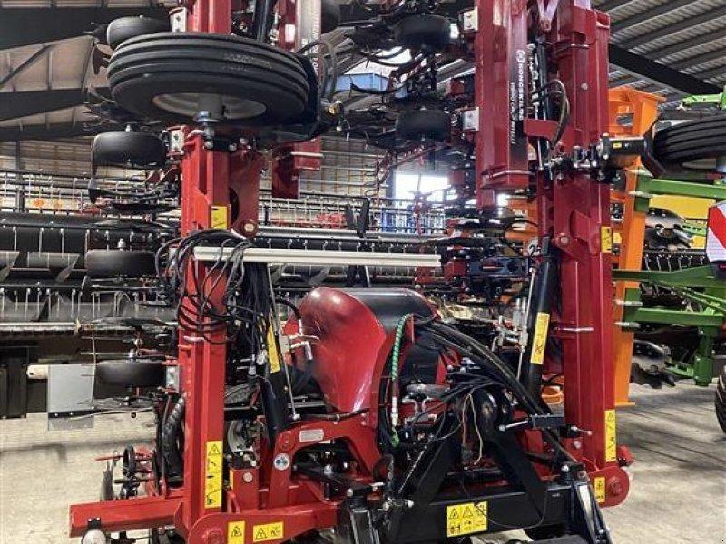 Maishackgerät типа Kongskilde VIBRO CROP INTELLI  - 18 rækker Med individuelt rækkeløft, Gebrauchtmaschine в Nykøbing Falster (Фотография 1)