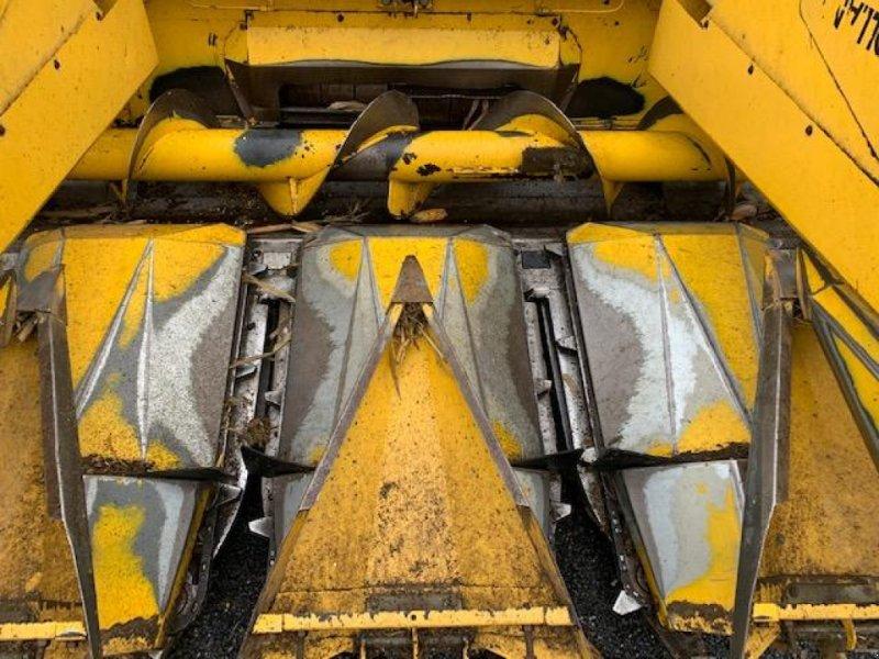Maispflückvorsatz des Typs New Holland 833, Gebrauchtmaschine in Marolles (Bild 1)