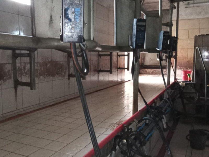 Melkstand типа De Laval Fischgräte 2x4, Gebrauchtmaschine в Enzenkirchen (Фотография 1)