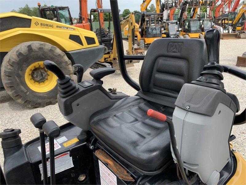 Minibagger des Typs Caterpillar 301.7 DCR Verstelllaufwerk Neuwertig, Gebrauchtmaschine in Schrobenhausen (Bild 8)
