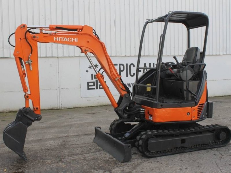 Фотография Hitachi Zaxis ZX22U-2 YLR Mini Graafmachine