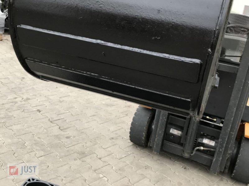 Minibagger des Typs Takeuchi Baggerlöffel 5,0-6,0 to Tiefenlöffel Ms03, Neumaschine in Schnelldorf (Bild 4)