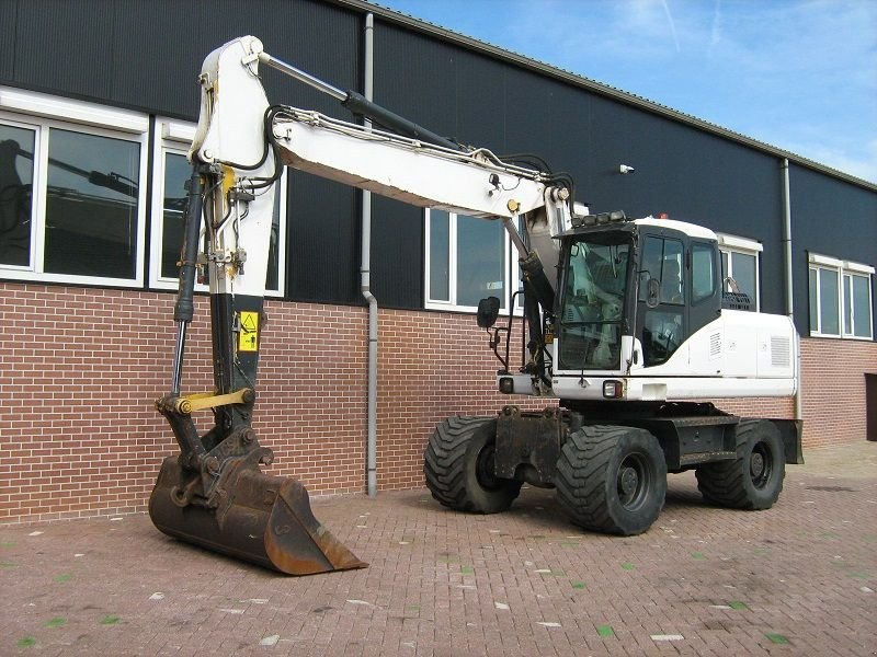 Mobilbagger типа Komatsu PW 180-7, Gebrauchtmaschine в Barneveld (Фотография 1)