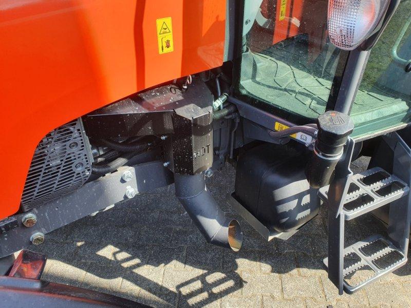 Motor & Motorteile типа Kubota M6060 M7060 M4062 Kit Auspuff unten, Neumaschine в Olpe (Фотография 1)