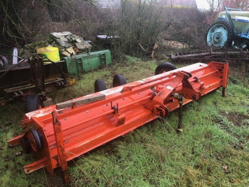 Mulchgerät & Häckselgerät des Typs Becchio 5M, Gebrauchtmaschine in Bray En Val (Bild 1)