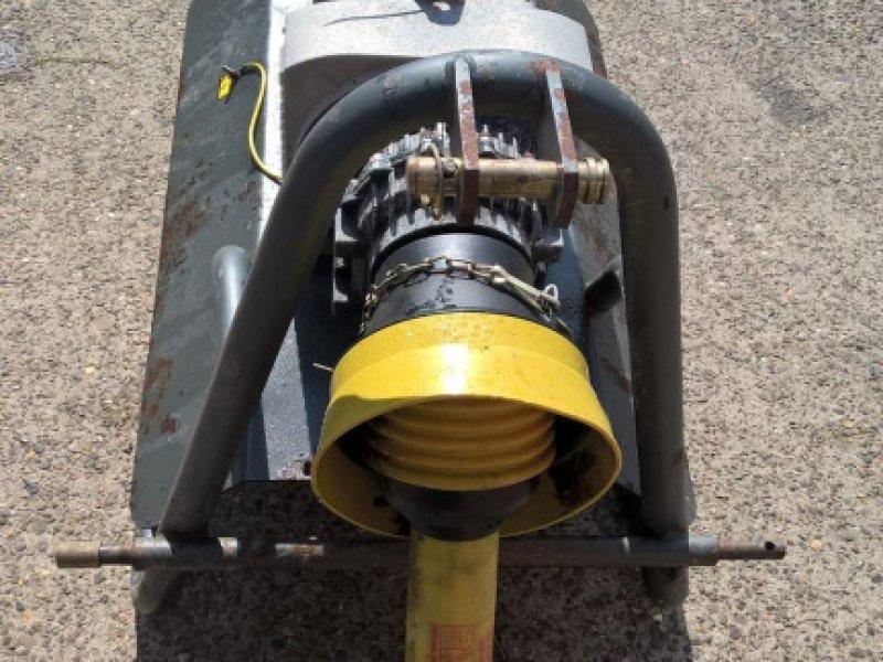 Notstromaggregat типа Sonstige Aggregaat 25kva compleet met aftakas, Gebrauchtmaschine в Maartensdijk (Фотография 1)