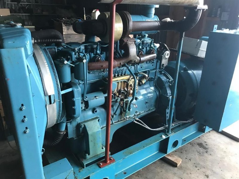 Notstromaggregat типа Sonstige VOLVO TD 6 cyl motor med  generator 140 KVA 220 Amp, Gebrauchtmaschine в Løgumkloster (Фотография 1)