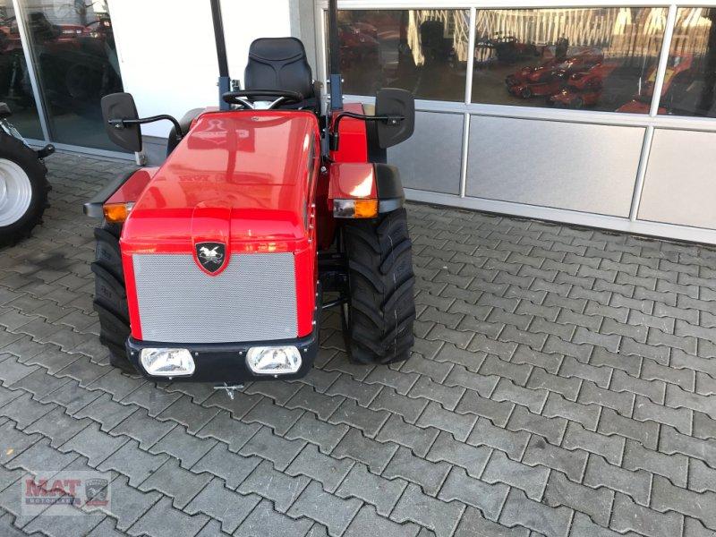 Obstbautraktor des Typs Antonio Carraro Tigre 3200, Neumaschine in Waldkraiburg (Bild 2)
