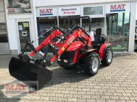Carraro Tigre 4000 mit Frontlader Sadařský traktor