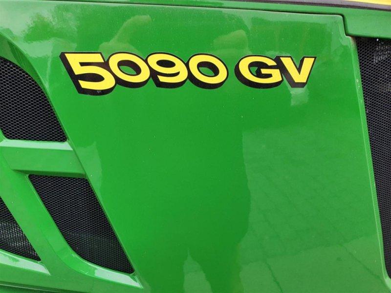 Obstbautraktor типа John Deere 5090GV, Neumaschine в Niederkirchen (Фотография 1)