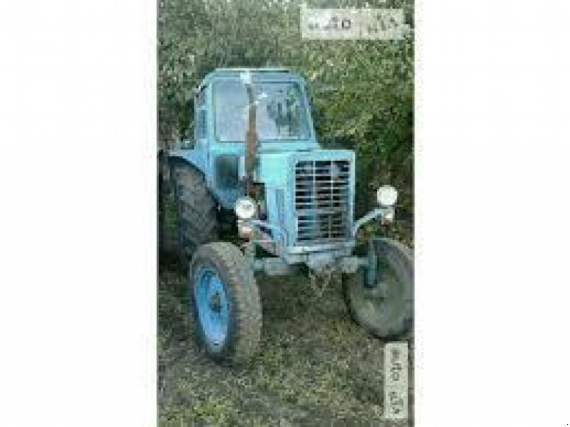 Oldtimer-Traktor des Typs Belarus Беларус-80, Neumaschine in Суми (Bild 1)