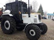 Oldtimer-Traktor des Typs Belarus Беларус-892, Neumaschine in Львів