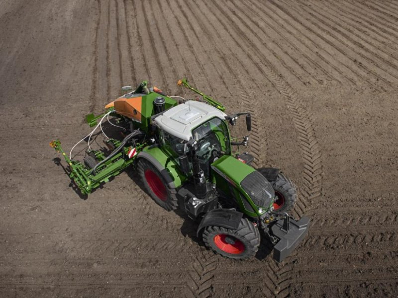 Oldtimer-Traktor типа Fendt 722 Vario, Neumaschine в Не обрано (Фотография 1)