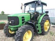 Oldtimer-Traktor des Typs John Deere 6130D, Neumaschine in Київ