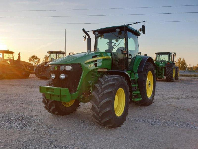 Oldtimer-Traktor типа John Deere 7930, Gebrauchtmaschine в Звенигородка (Фотография 1)