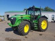 Oldtimer-Traktor des Typs John Deere 7930, Neumaschine in Путрівка