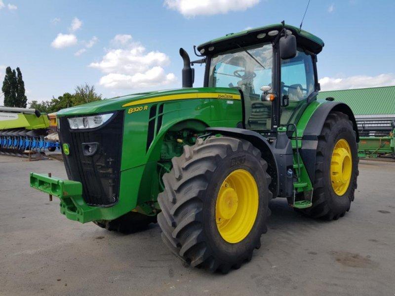 Oldtimer-Traktor типа John Deere 8320R, Neumaschine в Звенигородка (Фотография 1)