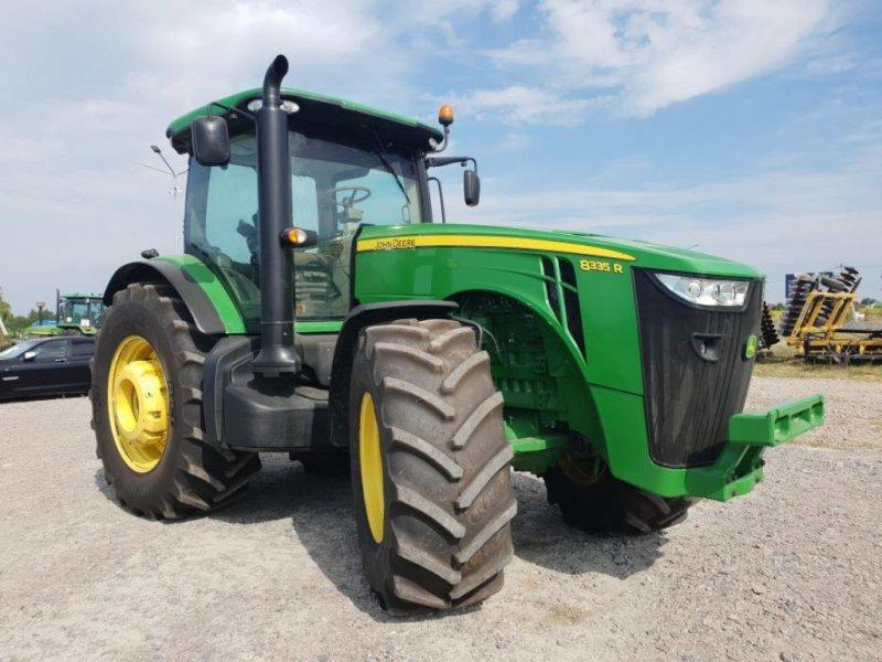 Oldtimer-Traktor типа John Deere 8335R, Neumaschine в Звенигородка (Фотография 1)