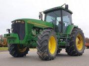Oldtimer-Traktor des Typs John Deere 8400, Neumaschine in Київ