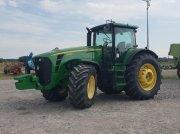 Oldtimer-Traktor des Typs John Deere 8430, Neumaschine in Звенигородка