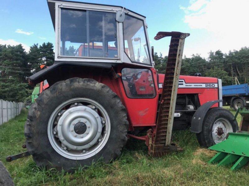 Oldtimer-Traktor des Typs Massey Ferguson 260, Neumaschine in Червоноград (Bild 1)