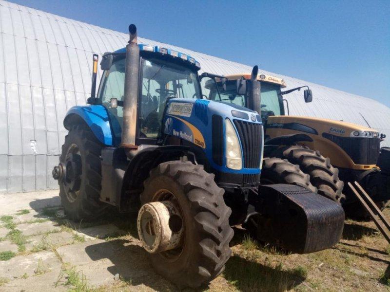 Oldtimer-Traktor типа New Holland T8040, Neumaschine в Чабани (Фотография 1)