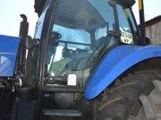 Oldtimer-Traktor des Typs New Holland T8040, Neumaschine in Куйбишеве