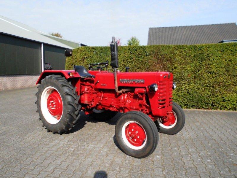 Oldtimer-Traktor типа Sonstige Mc Cormick Farmall D-430, Gebrauchtmaschine в Boxtel (Фотография 1)