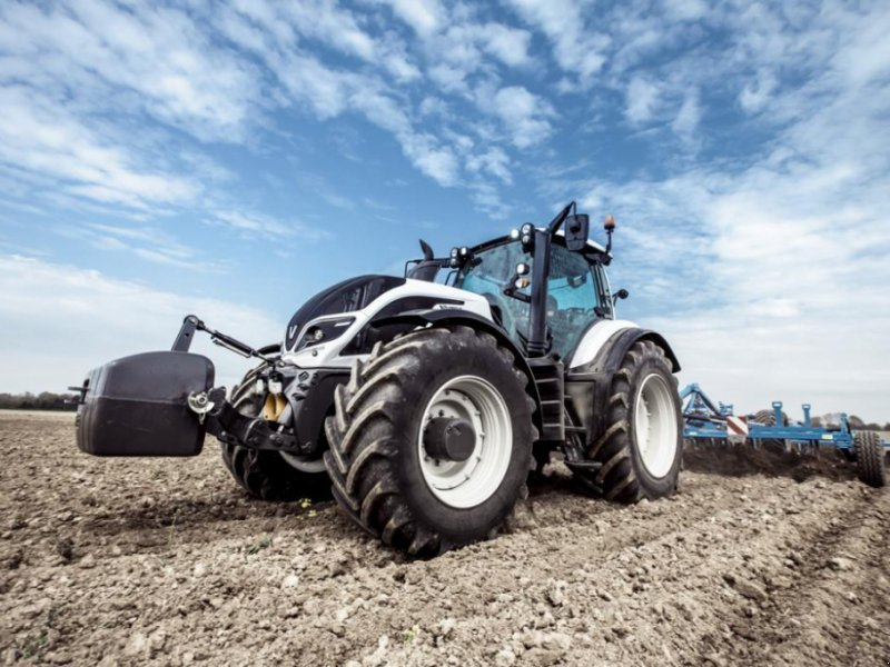 Oldtimer-Traktor типа Valtra T234, Neumaschine в Не обрано (Фотография 1)