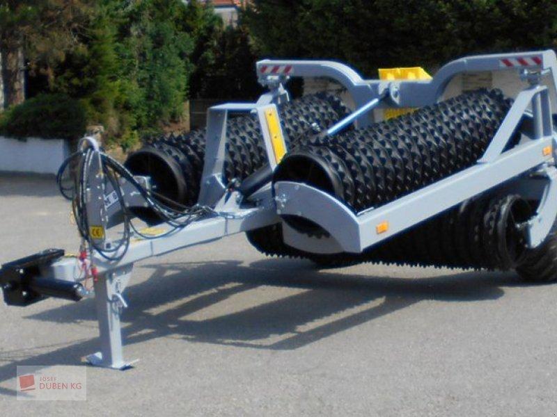Packer & Walze des Typs Agri Flex Maxi Roll 630, Neumaschine in Ziersdorf (Bild 1)