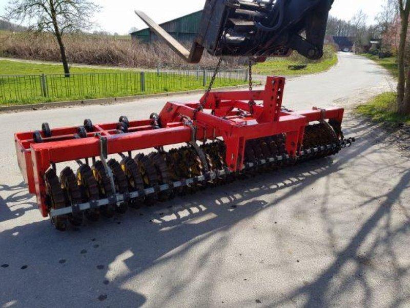 Packer & Walze типа Güttler Avant 56 Frontkombination, Gebrauchtmaschine в Honigsee (Фотография 5)