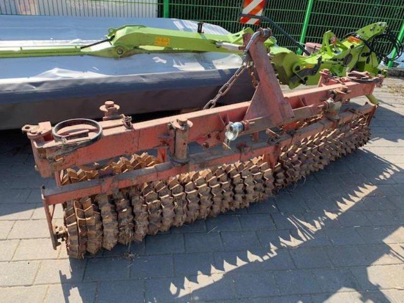 Packer & Walze типа Güttler Prismenwalze, Gebrauchtmaschine в Eppingen (Фотография 1)