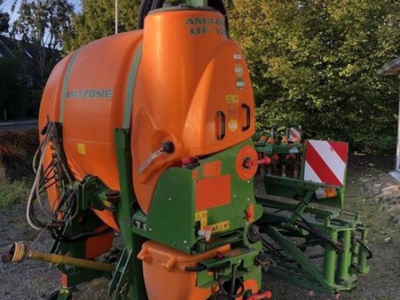Pflanzenschutz-System des Typs Amazone Anbaufeldspritze UF 1201, Gebrauchtmaschine in Elmenhorst-Lanken (Bild 1)