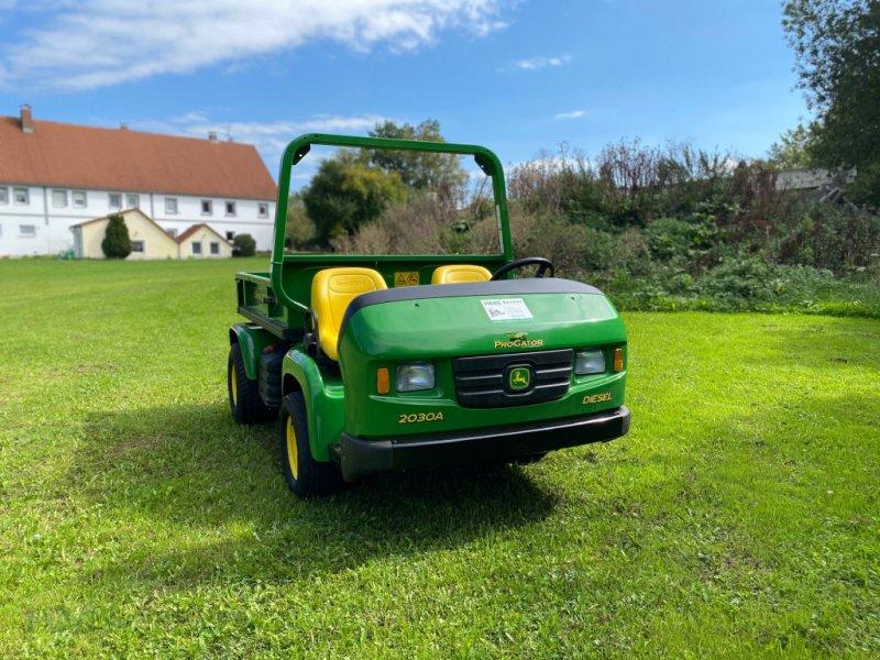 Pflegefahrzeug & Pflegegerät des Typs John Deere Pro Gator 2030 A, Gebrauchtmaschine in Weidenbach (Bild 2)