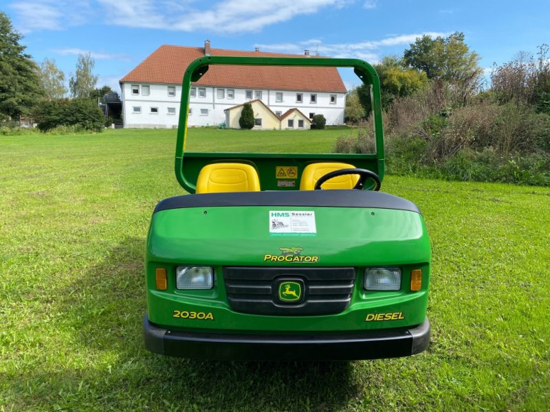Pflegefahrzeug & Pflegegerät des Typs John Deere Pro Gator 2030 A, Gebrauchtmaschine in Weidenbach (Bild 3)