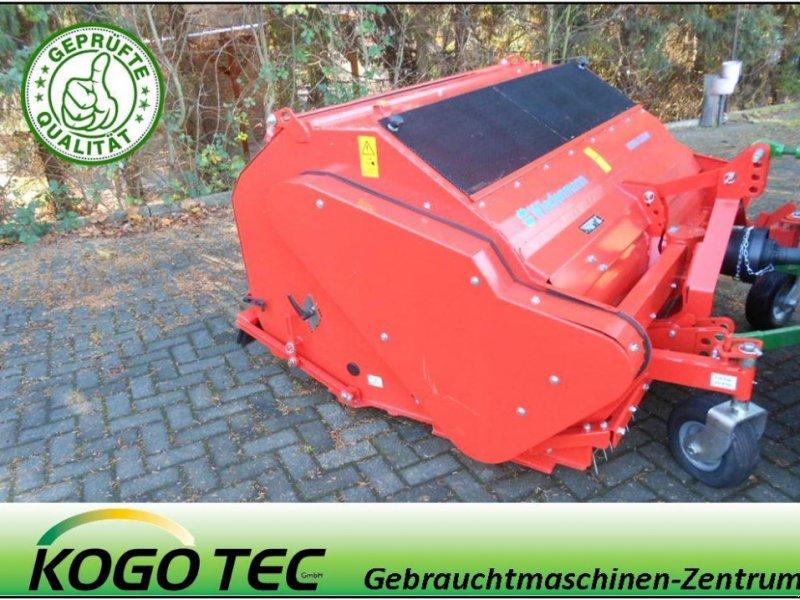 Pflegefahrzeug & Pflegegerät des Typs Wiedenmann Terra Clean 160C Kunstrasen, Vorführmaschine in Dorsten-Wulfen (Bild 1)