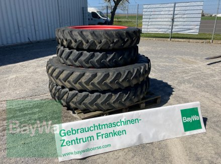 Pflegerad des Typs Alliance 300/95 R52 & 11.2 R38, Gebrauchtmaschine in Giebelstadt (Bild 1)